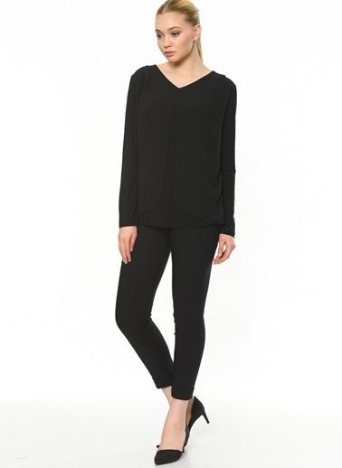 Butik Triko V Yaka Şifonlu Bluz Siyah